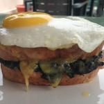 Le Papillion Cafe